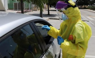 Tres brots i 14 nous contagis a l'Horta de València