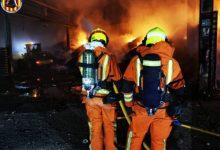Controlat l'incendi industrial declarat en una fàbrica del polígon El Romaní de Sollana