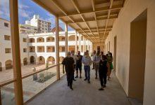 Gandia substitueix per formigó el paviment de les estructures de ferro del primer pis de l'Escola Pia