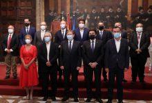 Les institucions valencianes signen el segon pacte per a la reconstrucció