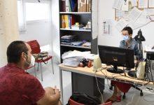 El Centre de Formació de Persones Adultes de Paiporta continua matriculant a alumnat per al nou curs a bon ritme