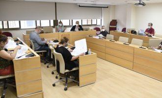 Reunió de treball per a dissenyar el centre de dia de Vil·la Amparo