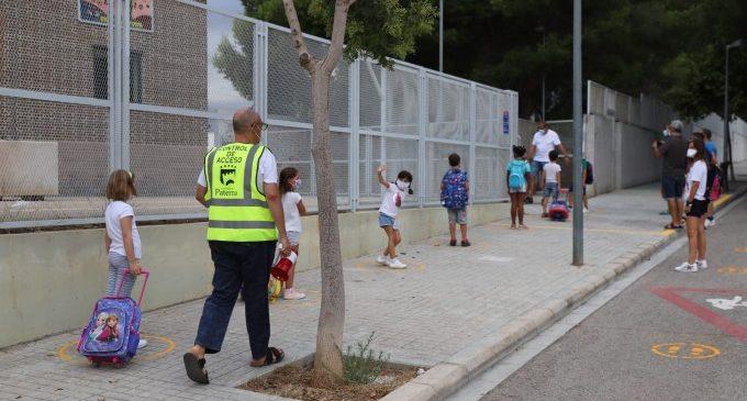 Dos xiquets amb febre provoquen l'aïllament d'una classe en el col·legi 'El Parque' a Paterna