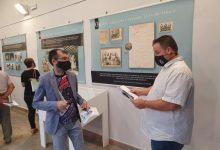 El Espai Joan Fuster de Sueca acoge una exposición basada en la relación del escritor con su ciudad natal