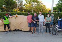 Col·lectiu Soterranya empaqueta un cotxe en l'avinguda Joan Carles I de Torrent