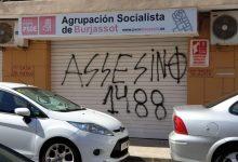 La seu del PSPV-PSOE a Burjassot comença el dia amb una pintada i simbologia nazi