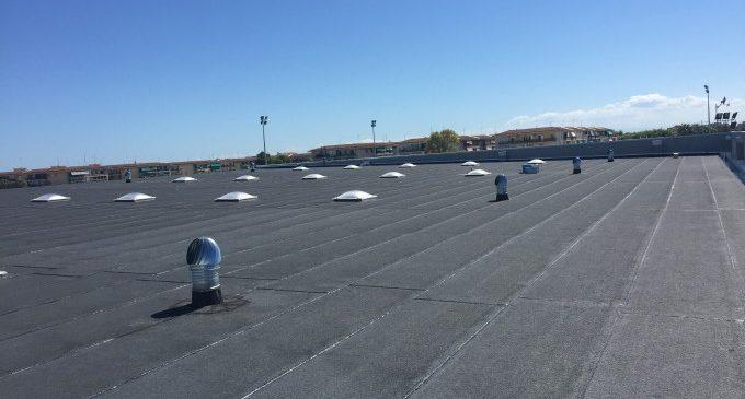 Benetússer estrena una nova coberta totalment impermeable en el pavelló poliesportiu municipal