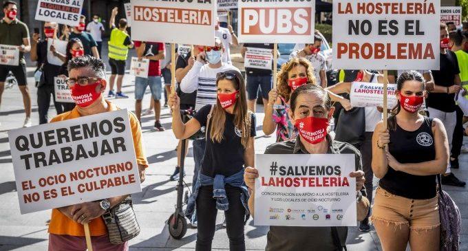 El toc de queda a la valenciana costarà als hostalers un milió d'euros al dia