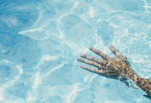 La piscina coberta de Sueca reprendrà a l'octubre els cursos de natació i les classes dirigides