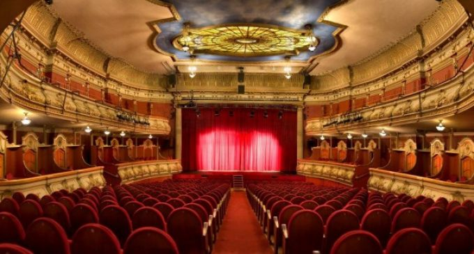 """""""Apostamos porque las entradas, tanto de teatros como de cines, sean un justificante ante el toque de queda"""""""