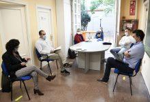 El regidor de Educación se reúne con las directivas de los centros docentes de Paiporta para evaluar la situación sanitaria en las aulas después del primer mes de curso