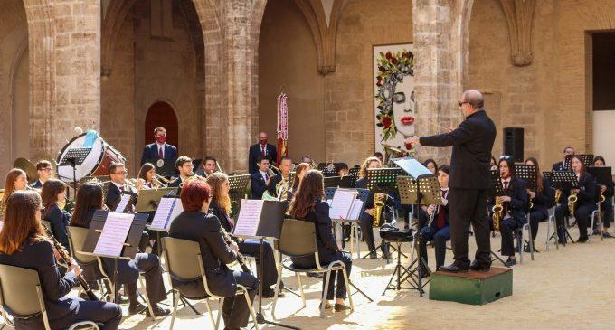 La música de Ennio Morricone inunda el Centre del Carme en la clausura de Mostra Viva