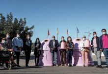 L'Ajuntament i Ecovidrio desenvolupen a Paterna la campanya solidària 'Recicla Vidre per elles' amb motiu del Dia del Càncer de Mama