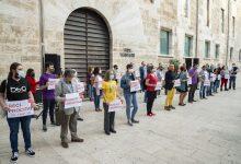 """La Comissió 9 d'Octubre es concentra davant les Corts baix el lema """"drets, autogovern i llengua"""""""