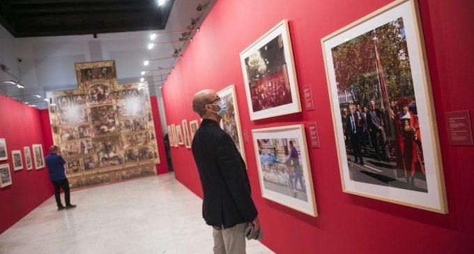 Un miler de persones visita l'exposició de la Diputació sobre el 9 d'Octubre el primer cap de setmana