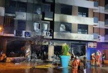 Ràpida intervenció de la Policia Local d'Alzira en l'incendi d'un taller de motos esta matinada