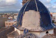 Es desprén part de la coberta de la cúpula de l'església de Sant Joan Apòstol de Massamagrell