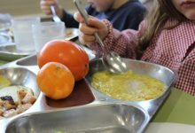 Alzira complementa les beques de menjador de la Conselleria amb prop de 87.000€