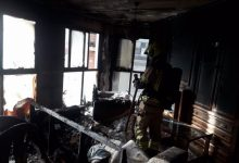 Una mujer resulta herida por inhalación de humo y quemaduras a causa del incendio de su vivienda en València
