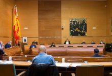 La Diputació de València reduïx els alts càrrecs en les seues empreses i entitats i regula les seues retribucions
