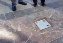València señaliza en las calles una ruta basada en la obra del poeta valenciano Vicent Andrés Estellés