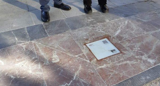 València senyalitza als carrers una ruta basada en l'obra del poeta valencià Vicent Andrés Estellés