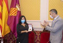 Cullera atorga la Medalla al Servei Excel·lent a l'oficial Nieves Martín