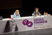 Elena Simón reclama en l'Escola Feminista d'Ontinyent una major presència de la formació en igualtat al sistema educatiu