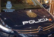 Detinguts quatre homes en una festa en un habitatge després d'agredir a diversos agents