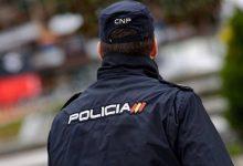 Bolca un cotxe de la Policia Nacional en un accident al costat del Cementeri de València