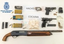 """Cinc detinguts per segrestar una persona per a obligar el seu germà a """"cuinar"""" cocaïna"""