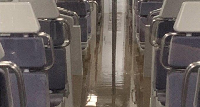 Indignats Amb Renfe denuncia la incapacidad de gestión de renfe/*adif durante el episodio de lluvias