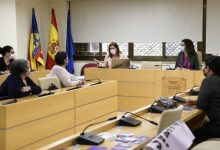 Teatre, autodefensa feminista, tallers educatius i escola de famílies en la celebració del Dia Contra la Violència Masclista a Paiporta