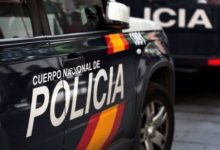 Detingut un home per amenaçar de mort a un agent que li va indicar que es col·locara la mascareta