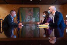 Baldoví negociava amb Montero el repartiment dels 13.400 milions mentre Sánchez presentava a València 10 polítiques tractores