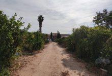 Habilitada una zona de esparcimiento para el vecindario en el solar de la nueva alcaldía de Cases de Bàrcena