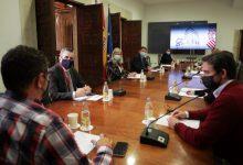 Ximo Puig pide a los sectores del ocio, comercio y restauración que extremen el control de los aforos estas navidades para reforzar la seguridad sanitaria en sus instalaciones