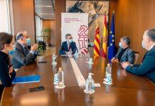 Arcadi España analitza la situació dels transportistes valencians atrapats a Dover amb representants de FVET
