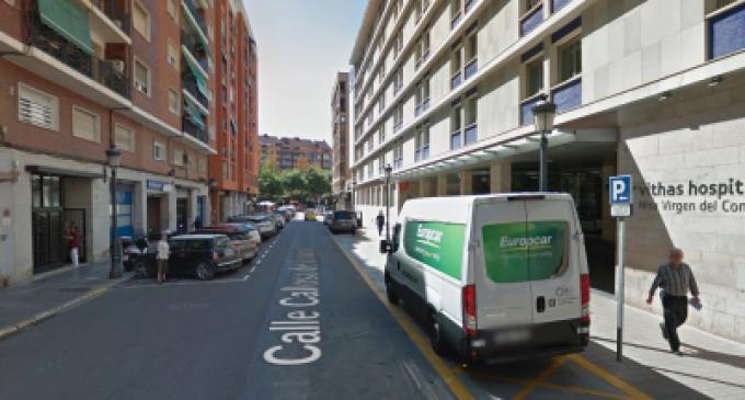 """Los vecinos exigen el traslado de la Clínica Virgen del Consuelo: """"estamos viviendo en un hospital"""""""
