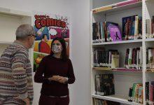 La Biblioteca de Paiporta habilita una nueva sección de cómics para jóvenes y adolescentes