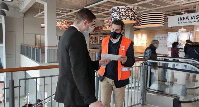 Una app d'Ikea ofereix treballadors que munten mobles o fan cua per tu