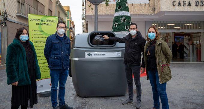 """Mislata readapta els seus contenidors amb tapes """"sense contacte"""""""