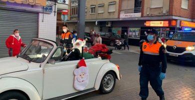 Papá Noel recorre las calles de Catarroja para recoger los últimos deseos