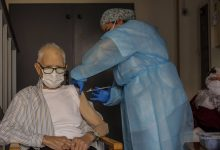 El Consell prevé que los mayores de las residencias y sus trabajadores estén inmunizados el 1 de marzo