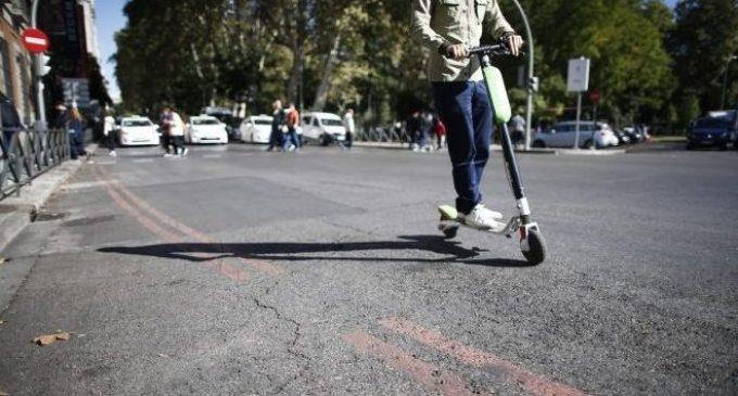 Xàtiva prohibeix utilitzar els patinets i bicicletes elèctriques en les voreres