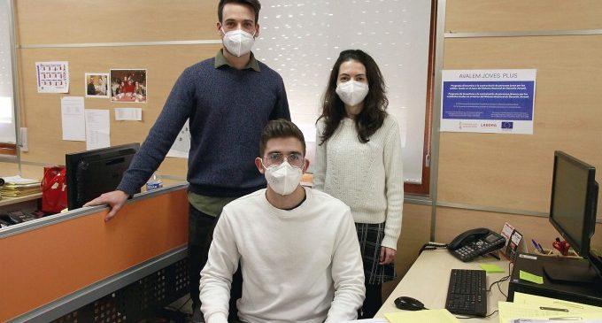 A través del proyecto Empuju, tres jóvenes trabajarán un año en el Ayuntamiento de Puçol