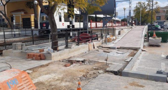 Sagredo aplaude la instalación de un acceso peatonal inteligente de FGV en la estación de metro de La Canyada