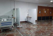 Cafeteries, capelles o gimnasos habilitats per a ingressos davant la saturació hospitalària