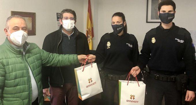 L'Ajuntament d'Ontinyent lliura 100 mascaretes amb protecció premium a la Policia Nacional