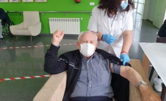 La vacuna contra la Covid-19 llega a la Residencia 'La Vila' de Almussafes